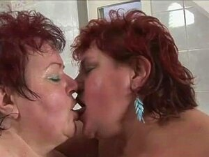 A Velha Gorda E A Miúda Na Banheira Porn