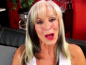 Busty Granny Recebe Um Presente De Aniversário Porn