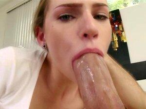 Adolescente Flexível Bateu. Adolescentes Flexíveis Garganta E Cona Apertados Com Força Em Hd Porn