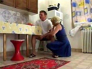 A Avó Com O Neto Conduz O, Porn