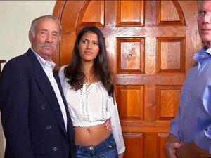 Puta Adolescente Suja De Latina Fodendo Dois Homens Extremamente Velhos Porn