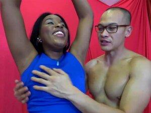 Axilas Da Claque Da Ebony A Lamber E A Suar Adoração Porn