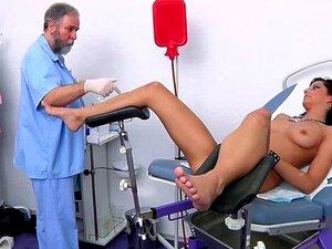 Damien Gyno Exam Por Ginecologista Porn