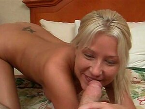 Beleza Loura Desce Sobre Pênis Pequeno Porn