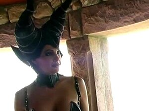 Julie Cepas Escuro Haven - Cena 1 Porn