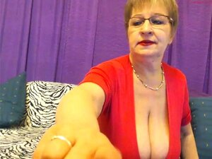 Uma Senhora Muito Bonita E Sexy, Uma Senhora Perfeitamente Moldada E Vestida Porn