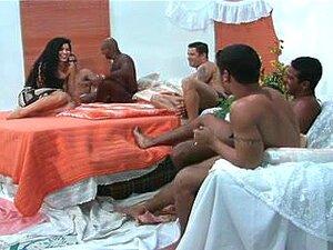 Thais Vieira Em Gangbang, Thais Veira Porra Muito Interessante Com Um Monte De Boyfrends. Porn