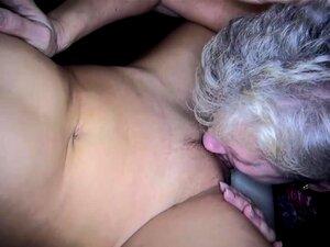 Garota Jovem Sexy E Granma Velho Gordinho Tem Sexo Com Brinquedo Porn