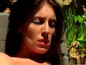 Incrível Estrela Pornô Brandy Lyons No Incrível Clipe De Sexo Ao Ar Livre, Masturbação. Brandy Lyons Tinha Fome De Galo E Sabe Que Isso Significa Que Vai Ter Uma Grande Cabeça Se Acontecer De Você Ser O Sortudo De Suas Atenções Orais. Ela Deu Um De Seus B Porn