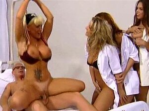 Reverse Gang Bang Com 8 Enfermeiras Porn