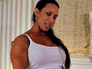 Denise Masino - Pony Up Strap-on Vídeo - Bodybuilder Feminino Porn