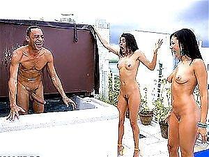 Duas Gostosas Tem Um Pinto Grande Surpreendente Em Uma Imagem Plenamente Deliciosa Porn
