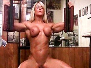 Musculosa Pelada Com Clitóris Grande Porn