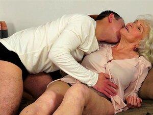 Norma A Vovó Safadinha Fica Fodida Duro Em Sua Buceta Velha Porn