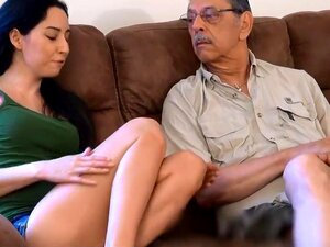 Rachel Ama Seu Avô (Rachel Rose), Porn
