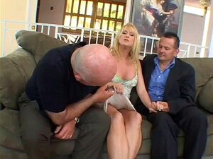 Papa-Hot Housewife Bangs In Front Of Husband Porn