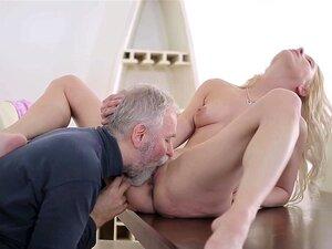 Velho Jovem Vai Faz Polina Quero Mal Chupando Ele Porn