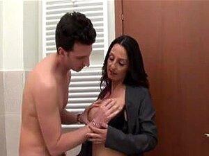 Mãe Entra No Banho - Italiano, Porn