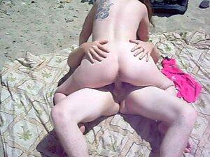 Esposa Transa Com Estranho Na Praia Duna Boony Enquanto Marido Assiste E Vídeos Porn