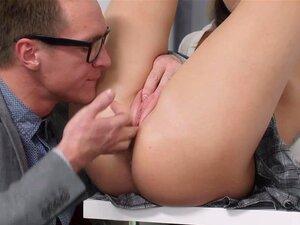 Ela é Nerdzinho - Katty Abençoado - Arrotador Duro Porra Para Um A, Neste Pequenino Pode Jogar Coíbe Tudo O Que Ela Quer, Mas é óbvio Que Ela Não Se Importa Com Seu Tutor, Provocando Os Mamilos Bem Durante A Aula. Há Muitas Maneiras Para Um 18-year-old Pa Porn
