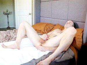 NextDoorRaw Pego Batendo Punheta Depois Comeu Cru Porn