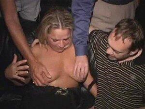 Aniversário MILF Gangbanged No Cinema Pornô! Porn