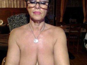 Granny Peituda Em Tiras A Quente Wery Brincar Com Um Vibrador Porn