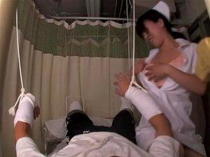 Enfermeira Kinky Peituda Cavalga Pau No Filme Asiático Porra, Ming Estava Me Sentindo Muito Triste Para Um Paciente Que Teve Um Acidente De Carro, Então Ela Decidiu Por Favor Seu Dick Por Montá-lo Como Um Louco. A Mulher Asiática Age Muito Puta E Ela Atin Porn