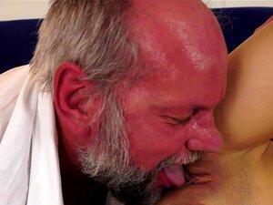 Teta Pequena Fodida Por Pila Velha, Miúda Pequena Fodida Por Pila Velha Pervertida Nesta Merda De Programas Vídeo Snip Porn
