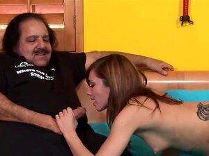 Miúda Júnior Fode O Velho Gordo, Dakoda Brookes Fode O Ron Jeremy Dakoda Brookes-Ron Jeremy - Porn
