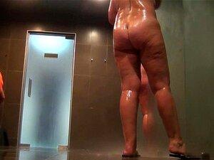 Mulheres Nuas Tomam Banho No Chuveiro 738 Porn