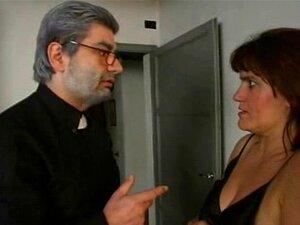 O Padre Come A Tia Busty!. Vídeos Amadores Italianos Porn