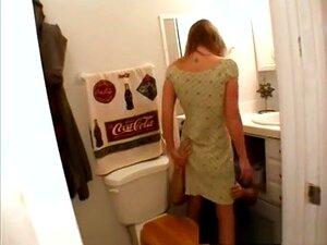 Pornstar Fabuloso Brooke Jacobs Em Melhor Clip Xxx Amador, Facial. Brooke Jacobs é Uma Dona De Casa Boobed Pequena, Com Cabelos Loiros E Um Piercing De Barriga. Você Verá Sua Porra O Encanador Depois Que Ela O Chama Quando O Marido Dela, De Apenas Três Me Porn