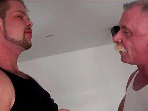 Jovem Urso Barebacks Papai Com Creme Galo Porn