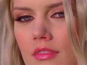 Jennifer Pershing é Toda Nua E Sexcited No Jardim Porn