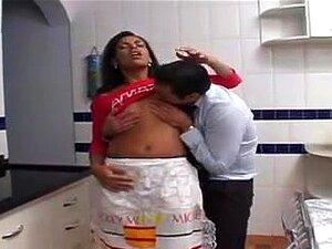 Bussiness Dude And Hawt Maid (empregada Gostosa) Porn