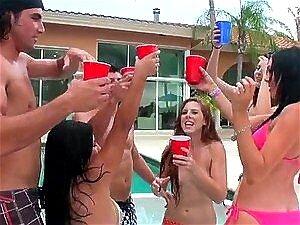 Brooke Van Buren E Megan Foxx Get Grupo Sexo Na Jacuzzi Porn