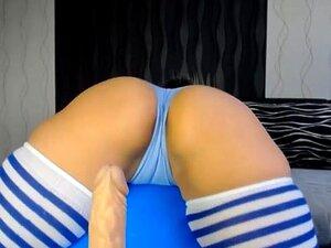 Miúda Gira Com Rabo Grande No Ginásio Porn