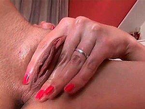 A Loura Magricela é Muito Excitada. Porn
