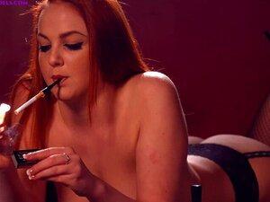 Kara Carter Fumando Fortes Marlboro Reds 100s Topless Usando Um Elegante Porta-cigarros Porn