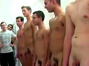 Punheta De Caras Héteros Para O Twink Gay Na Sua Faculdade Porn