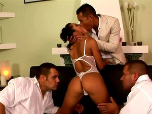 Slut Quente Lucy Belle Gangbanged Porn