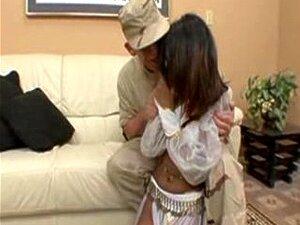 Um Soldado Ensina Sexo A Uma Rapariga Árabe. Porn