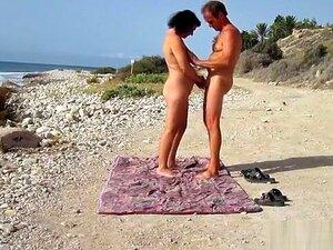 Foder Na Praia Pública, Porn