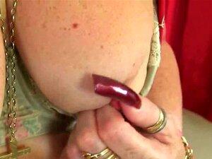 Reino Unido Vovós Zadi E Elaine Dar Sua Buceta Velha Um Deleite Porn