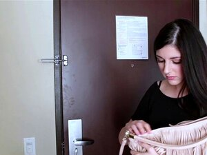 A Primeira Cena Porno Da Rapariga Do Campo. A Miranda Miller é Uma Miúda Adorável De 18 Anos Do Colorado. Ela Está Aqui Para Ganhar Dinheiro Para A Escola. Porn