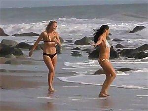 Gatas Lindas Fazem Uma Belo De Uma Punheta A Cara Sortudo Na Praia Em Gravação Porn