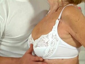 Mulher Loura Com Dedos, Velha Porn