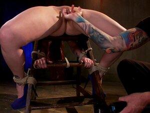 Bella Rossi Gosta Dos Jogos Sexuais Da BDSM No Chão Enquanto Está Amarrada-Bella Rossi, Christian Wilde Porn