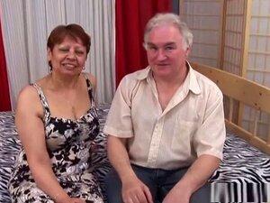 Melhores Pornstar Em Mais Quentes Maduro, Morena Xxx Cena, Iris é Uma Pobre Velha Avózinha, Que Pode Cevada Sobreviver Assim, Quando O Proprietário Lhe Disse Que Ela Pode Levá-la Para Alugar Em Troca De Sexo Hardcore, Ela Estava Mais Do Que Feliz Para Tir Porn